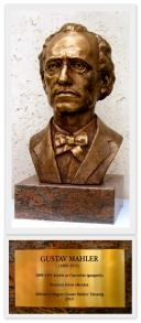 Mahler-szobor az Operában